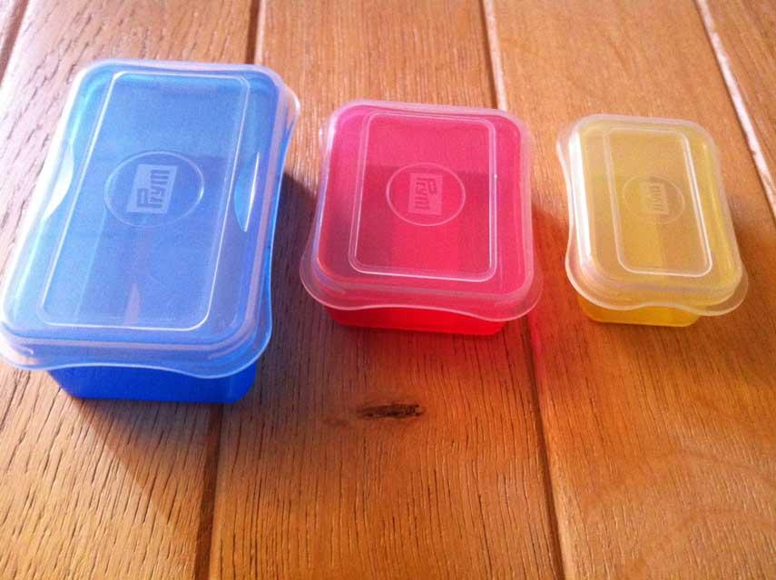 Trio de bo tes plastiques de couleurs translucides kymoa for Boite a couture plastique